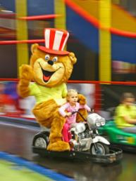Auf zur Kartbahn in unserm Kiddy Dome in Schutterwald!